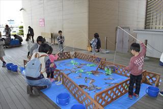5680d8e6ebfe 今回で第3回となる海の駅フェスタでしたが、今まで以上に多くのお客様にお越しいただき川崎地区一帯で盛り上がった1日でした。